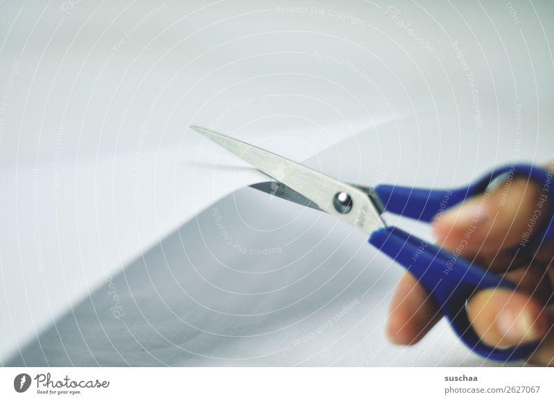 *schneid* weiß Hand Blatt Arbeit & Erwerbstätigkeit Büro Finger Papier Basteln Zettel Handarbeit Schere