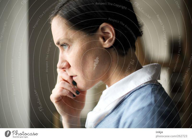 denk drüber nach- und sag vielleicht... Freizeit & Hobby Erwachsene Leben Gesicht Hand 1 Mensch 30-45 Jahre Denken Traurigkeit authentisch Gefühle Stimmung