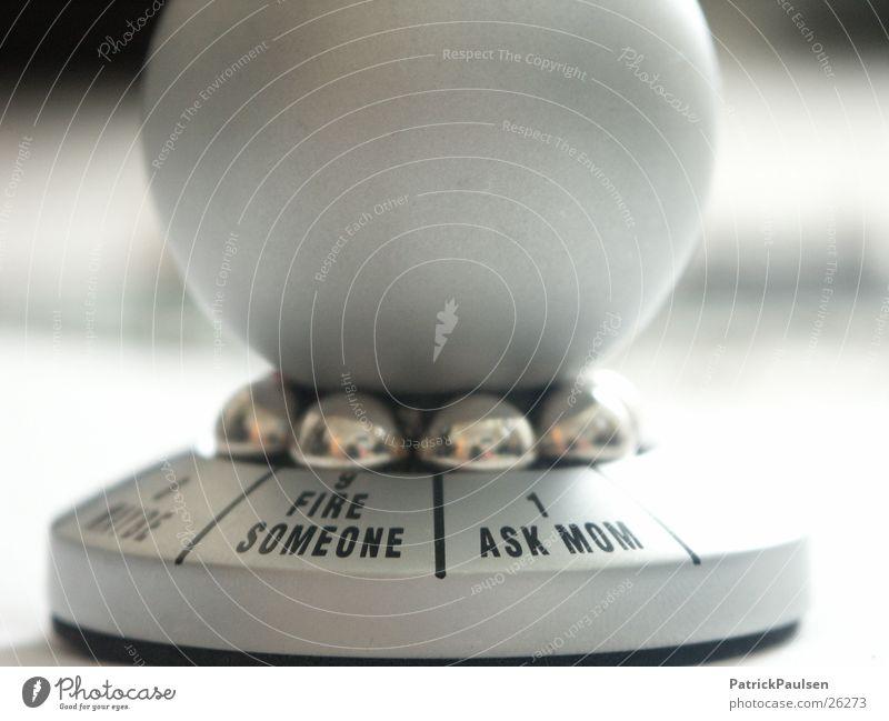 Entscheidungshelfer Zukunft Kitsch Dekoration & Verzierung Spielzeug Kugel drehen silber wählen Beschluss u. Urteil Verantwortung Auswahl unentschlossen