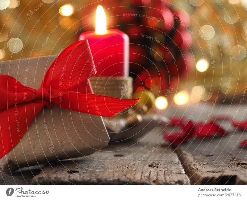 Weihnachtsgeschenk mit Kerze und Dekoration Winter Dekoration & Verzierung Musik Feste & Feiern Weihnachten & Advent Verpackung Paket Schleife Liebe Tradition