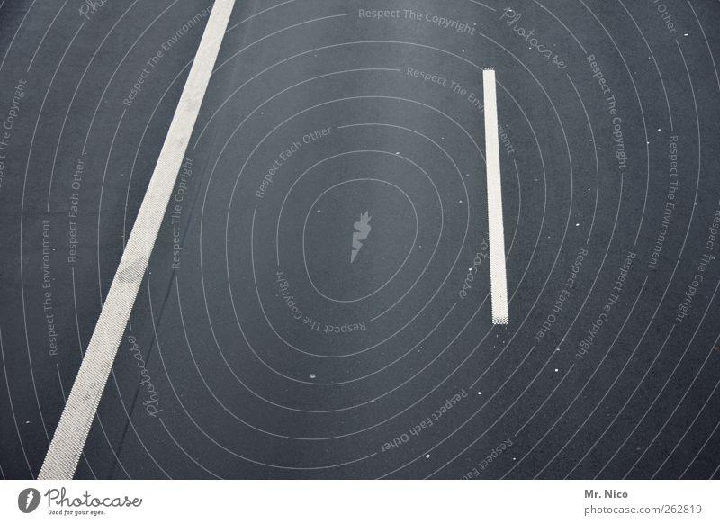 / l Verkehrswege Straße Wege & Pfade grau Asphalt Streifen leer Mittelstreifen geradeaus abstrakt Vogelperspektive weiß Fahrbahnmarkierung