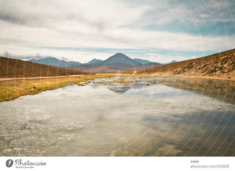 Oben wie unten ruhig Sommer Berge u. Gebirge Umwelt Natur Urelemente Erde Himmel Klima Schönes Wetter Gipfel Seeufer hell Chile Südamerika Salar de Atacama