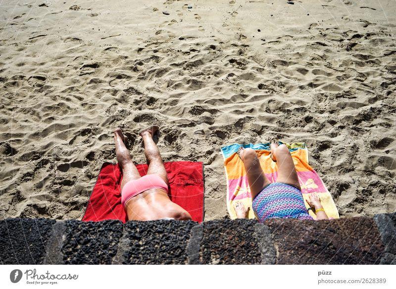 Sonnenbad Frau Mensch Ferien & Urlaub & Reisen Mann Sommer Meer Strand Erwachsene Umwelt Senior feminin Schwimmen & Baden Sand maskulin 45-60 Jahre