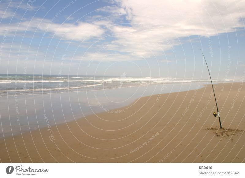 Just a fishing rod Himmel blau Wasser Sommer Meer ruhig Freiheit Sand Horizont braun Zufriedenheit Wellen Schwimmen & Baden Angeln