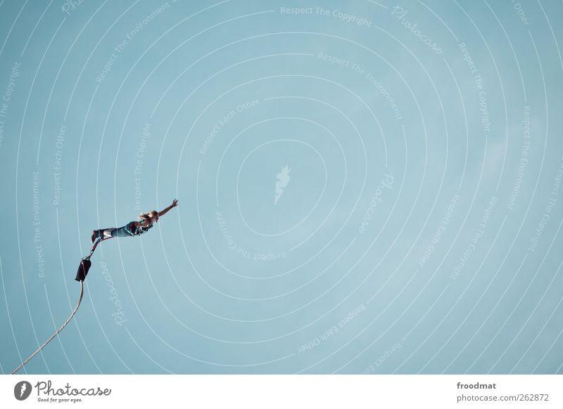 bungee Mensch Jugendliche Ferien & Urlaub & Reisen Sommer Freude Sport springen Kraft Angst Freizeit & Hobby fliegen Abenteuer Tourismus verrückt Lifestyle Todesangst