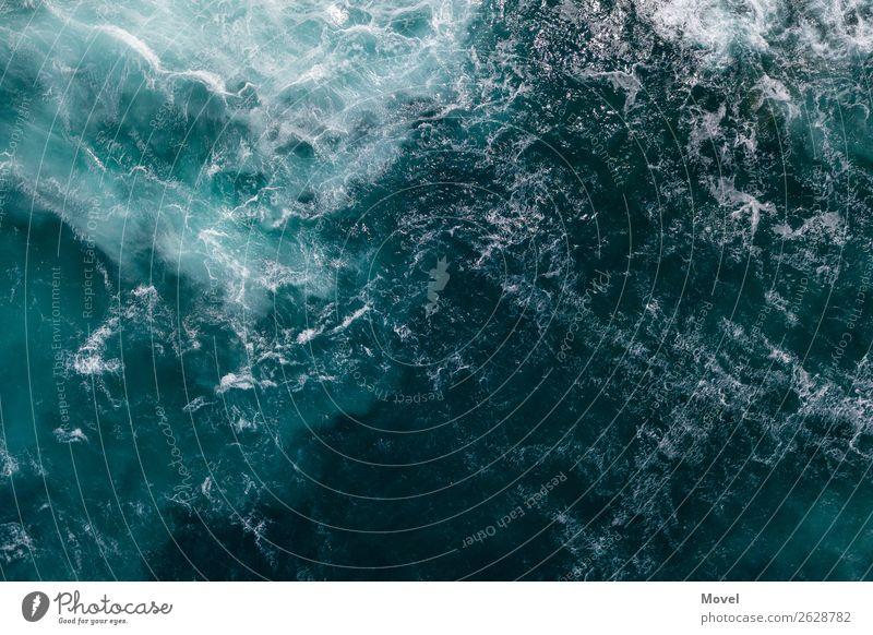 Surfaces Part 1 Natur Wasser Klima Klimawandel Wellen Küste Meer Insel Aggression ästhetisch Abenteuer Italien Oberflächenstruktur blau Schaumberg Wasserwirbel