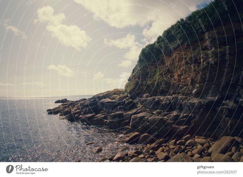 stony Umwelt Natur Landschaft Urelemente Wasser Himmel Wolken Horizont Sommer Schönes Wetter Felsen Berge u. Gebirge Wellen Küste Strand Bucht Meer Insel blau