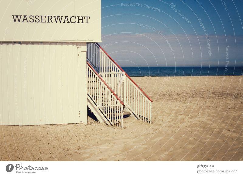 nicht nur am strand von malibu Himmel Natur Wasser Sommer Strand Umwelt Landschaft Sand Küste Horizont Arbeit & Erwerbstätigkeit Treppe Schriftzeichen Sicherheit bedrohlich Urelemente