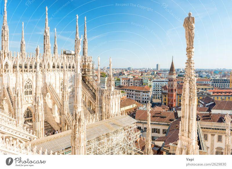Weiße Statue auf der Spitze der Domkirche Ferien & Urlaub & Reisen Tourismus Ausflug Sightseeing Städtereise Sommer Dekoration & Verzierung Skulptur Architektur