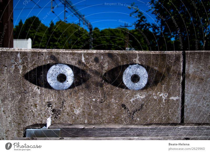 Verwandlung | wenn Beton zu Leben erwacht Gesicht Auge Umwelt Himmel Helsinki Hauptstadt Stadtzentrum Bauwerk Architektur Mauer Wand Straße Wege & Pfade Holz