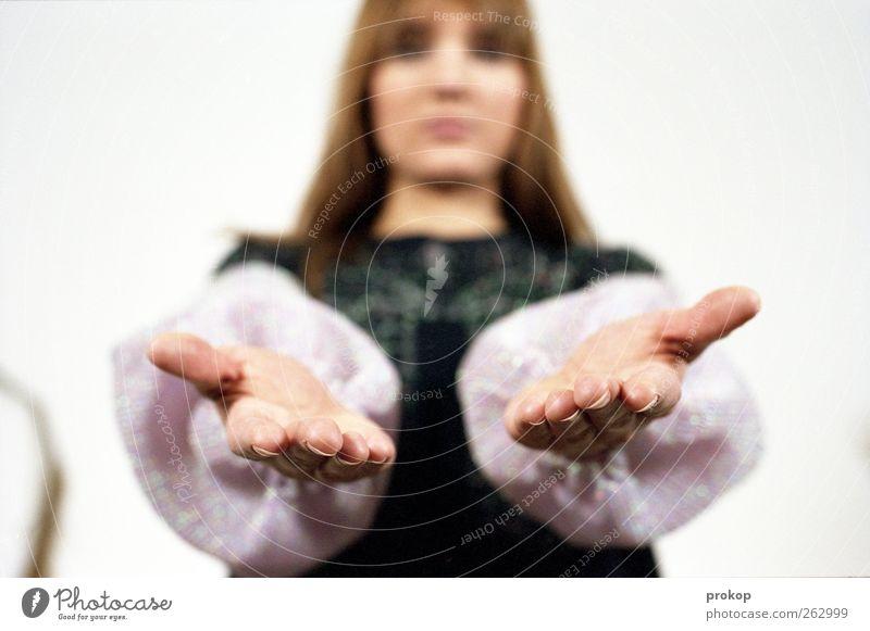 Hände gewaschen. Ast links. Mensch Frau Jugendliche schön Freude Erwachsene feminin Stil Mode Zusammensein warten elegant Design modern Hilfsbereitschaft