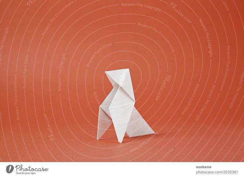 Origami Papiervogel auf rotem Hintergrund Design Freizeit & Hobby Handarbeit Freiheit Dekoration & Verzierung Handwerk Vogel machen einfach frei Glaube