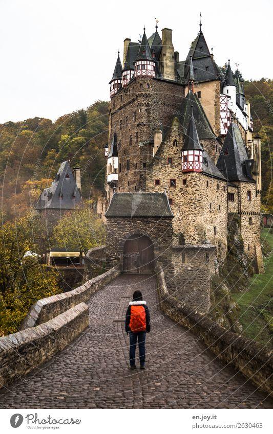 geschlossen Ferien & Urlaub & Reisen Tourismus Ausflug Abenteuer Sightseeing wandern 1 Mensch Herbst Rheinland-Pfalz Deutschland Burg oder Schloss Bauwerk