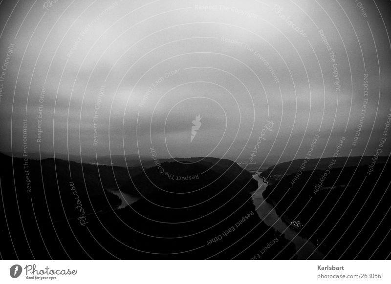 kein. Himmel Natur Wasser Winter Wolken Einsamkeit Wald Ferne Umwelt Landschaft Herbst Berge u. Gebirge Freiheit Horizont Nebel Klima
