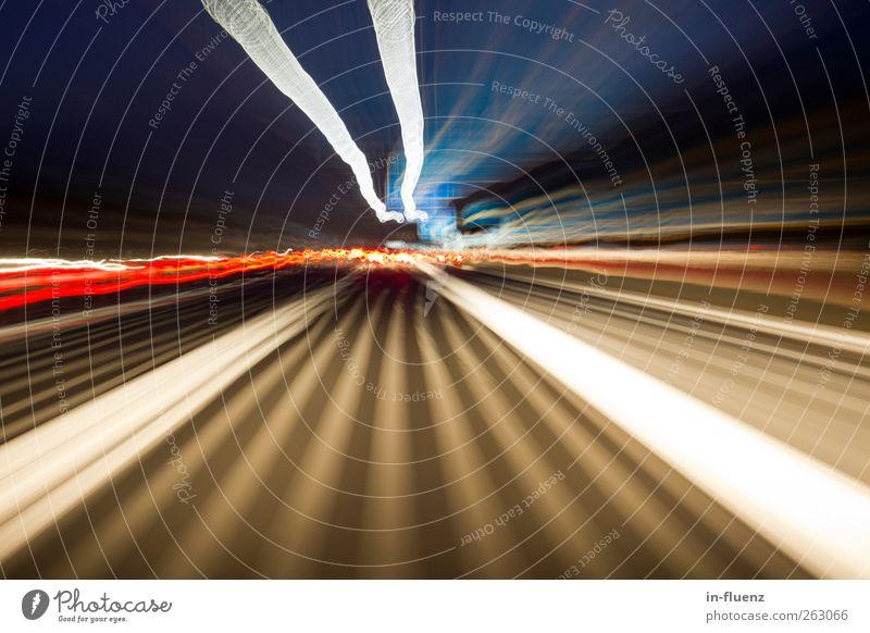 speed blau weiß schwarz gelb Bewegung Verkehr außergewöhnlich Geschwindigkeit Perspektive fahren Surrealismus Sinnesorgane Nachtaufnahme Zufall