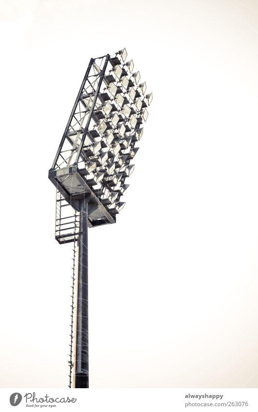 Flutlicht St. Pauli Stadion Ballsport Sportveranstaltung Sportstätten Fußballplatz Stadt Wahrzeichen beobachten Blick authentisch hoch Hamburg Kiez