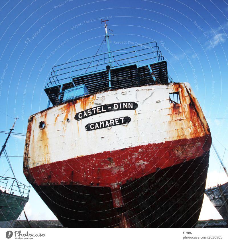 verlassen und beliebt Himmel Schönes Wetter Bretagne Schifffahrt Passagierschiff Fähre Wasserfahrzeug Hafen Schiffswrack Friedhof Rost Schriftzeichen