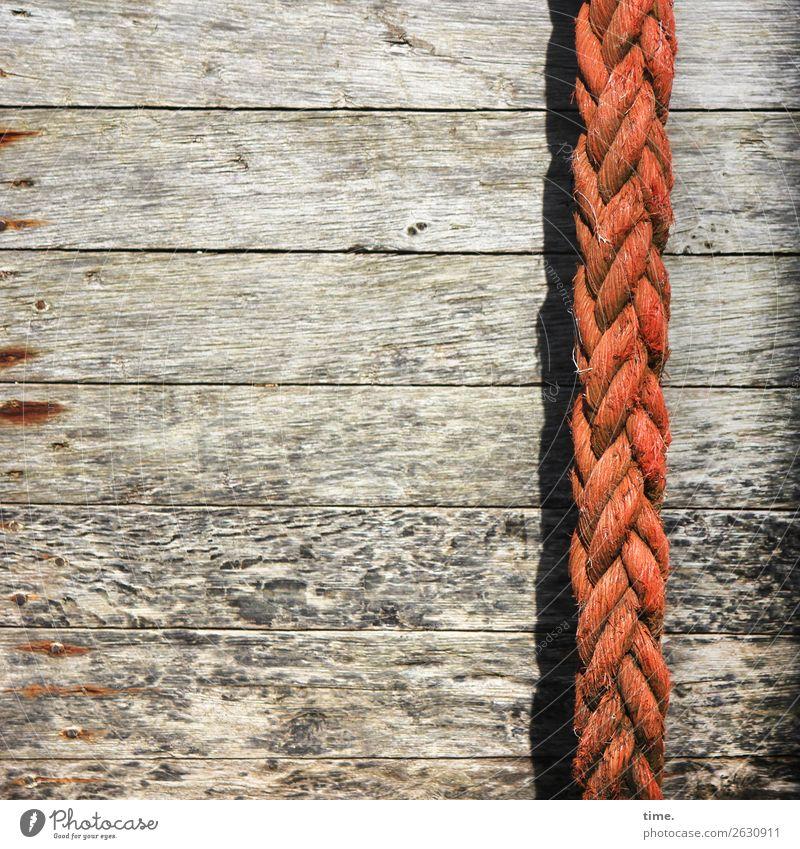 verspricht nicht, was es hält Schifffahrt Schiffswrack Schiffsplanken Tau Seil Holz Kunststoff alt kaputt maritim trashig Kraft authentisch Ausdauer Erschöpfung