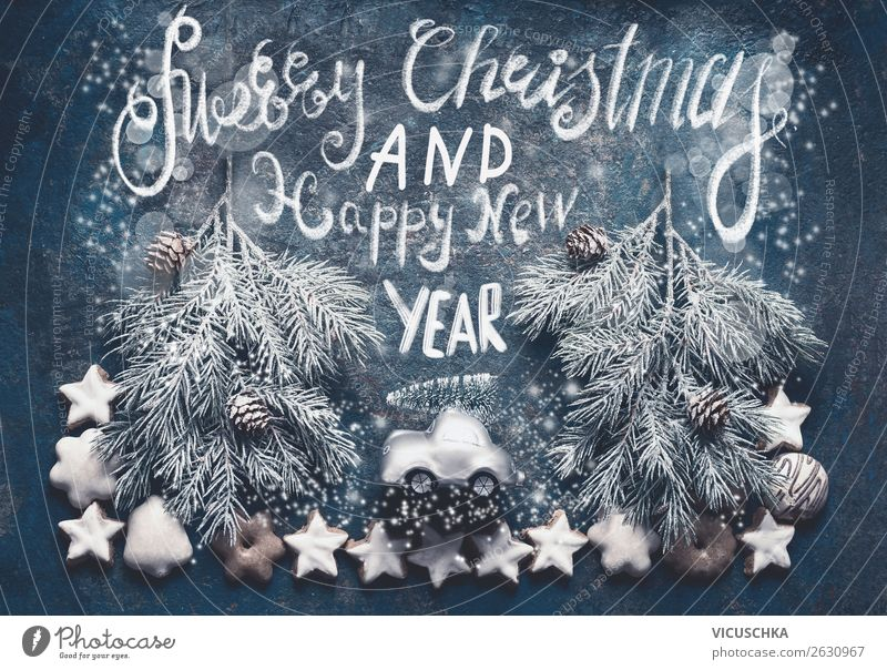 Weihnachtskarte mit Weihnachtsbaum auf Spielzeugauto Stil Design Winter Feste & Feiern Weihnachten & Advent Natur Schnee Wald PKW Dekoration & Verzierung retro