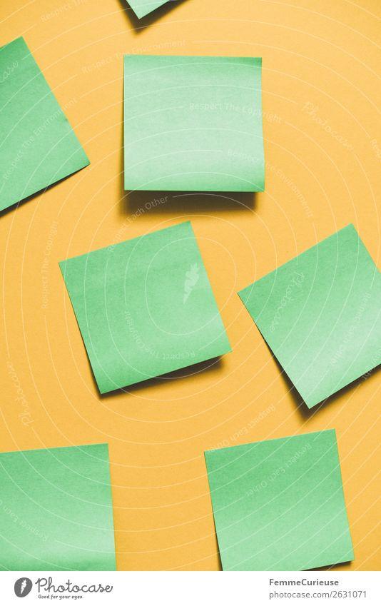 Notes on a neutral yellow background Schreibwaren Papier Zettel Kreativität Arbeit & Erwerbstätigkeit leer blanko gelb grün Klebstoff selbstklebend Farbfoto