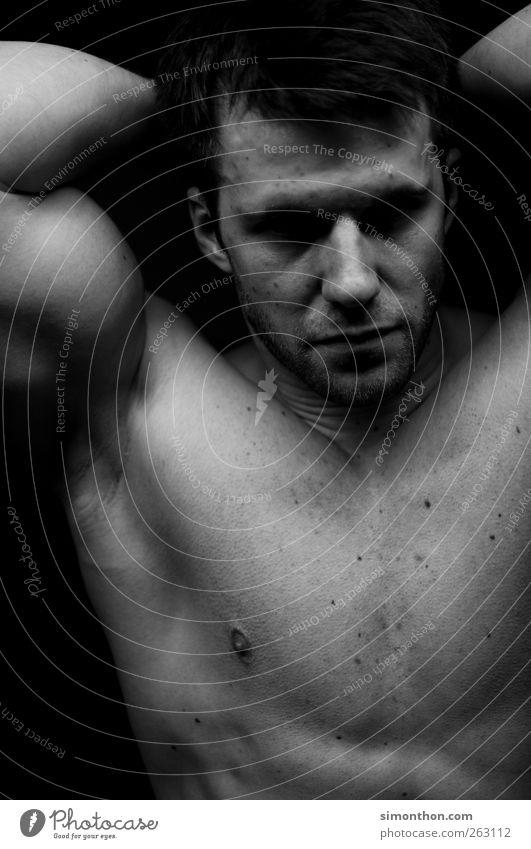 bodybuilder 1 Mensch muskulös Bodybuilder sportlich Sportler Kraft Muskulatur dehnen Sport-Training Gesicht Oberkörper Brust Blick Porträt Leberfleck