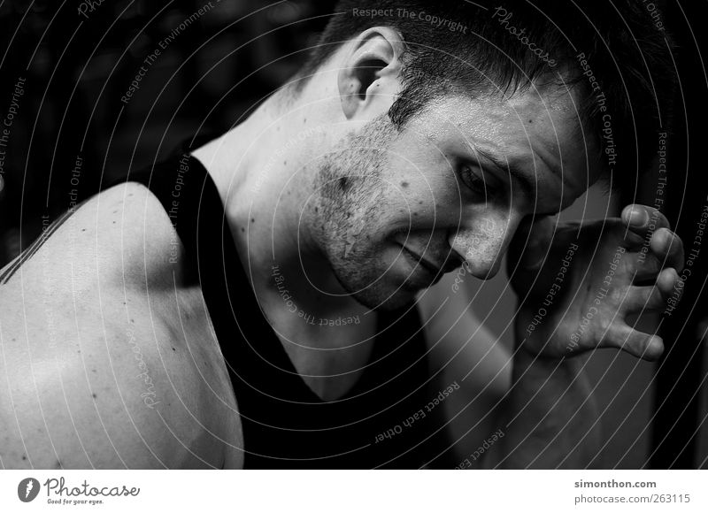 bodybuilder Mensch Hand Sport-Training anstrengen Erschöpfung Barthaare Schweiß Bodybuilder Männergesicht Muskelshirt