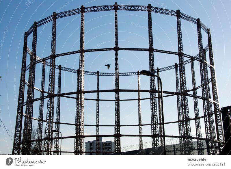 kreisgestänge London England Hauptstadt Stadtrand Gasometer alt historisch retro Stimmung Verschwiegenheit Sehnsucht Einsamkeit Verfall Vergangenheit