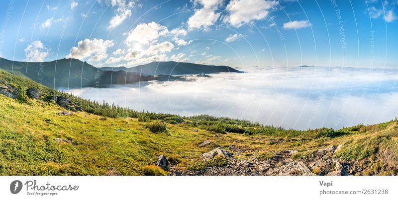 Panorama der grünen Berge in den Wolken schön Ferien & Urlaub & Reisen Tourismus Ausflug Sommer Sommerurlaub Sonne Berge u. Gebirge wandern Umwelt Natur