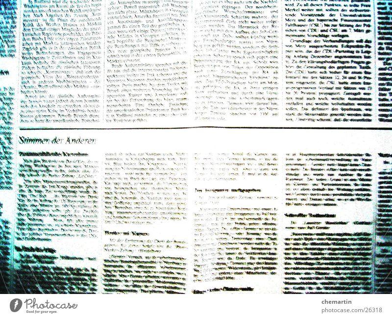 Zeitung weiß schwarz Papier lesen Seite Zeitschrift Printmedien