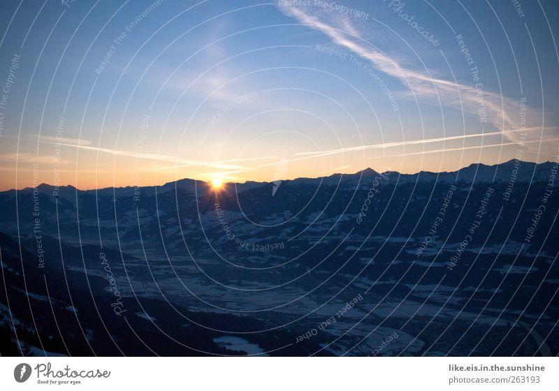 guten morgen! wandern Umwelt Natur Landschaft Urelemente Himmel Wolkenloser Himmel Horizont Sonne Winter Schönes Wetter Eis Frost Schnee Hügel Felsen Alpen