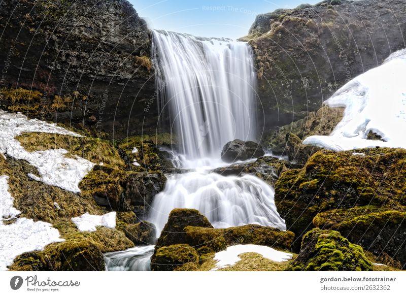 #Islands /Wasser fällt Natur Landschaft Pflanze Urelemente Himmel Wolkenloser Himmel Schönes Wetter Moos Felsen Wasserfall Bewegung fantastisch blau braun grau