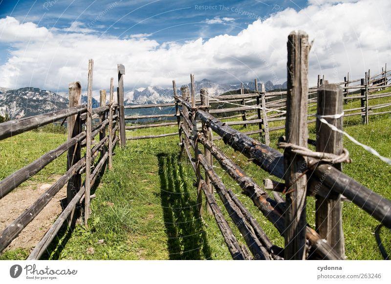 Wanderroute Himmel Natur Ferien & Urlaub & Reisen Umwelt Landschaft Berge u. Gebirge Freiheit Wege & Pfade Ausflug Abenteuer einzigartig Ziel Alpen Schönes Wetter Zaun Barriere