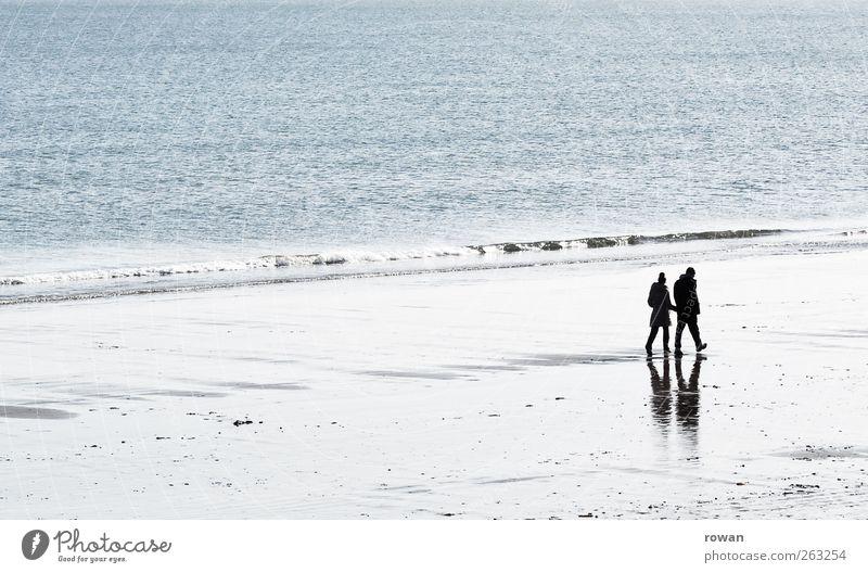 strandspaziergang Mensch maskulin feminin Frau Erwachsene Mann Paar Partner Leben 2 Wasser Schönes Wetter Küste Strand Meer Erholung gehen Zusammensein Glück