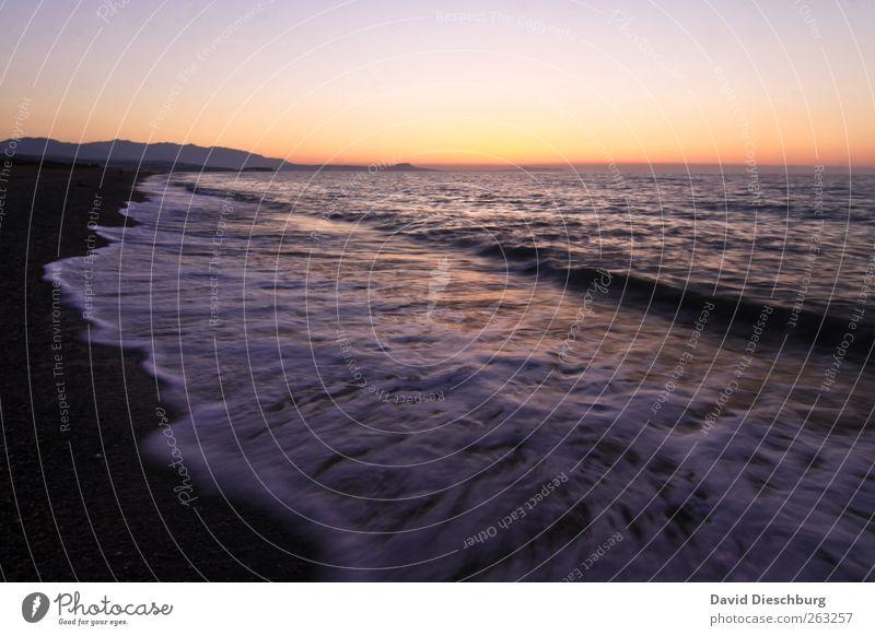 Abend am Meer Erholung Ferien & Urlaub & Reisen Freiheit Sommer Sommerurlaub Strand Insel Wellen Landschaft Wasser Wolkenloser Himmel Horizont Küste rot schwarz