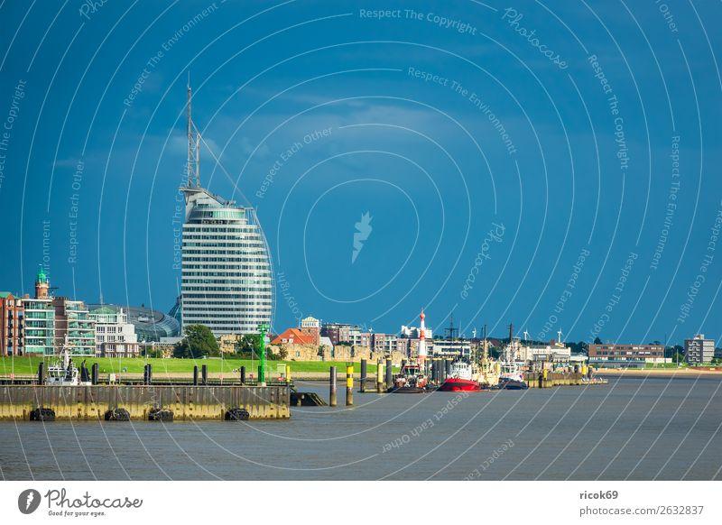 Blick auf die Stadt Bremerhaven Erholung Ferien & Urlaub & Reisen Tourismus Haus Wolken Küste Nordsee Hafen Leuchtturm Gebäude Architektur Sehenswürdigkeit