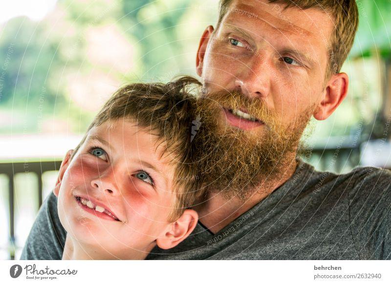was machen wir als nächstes Kind Mensch Mann Gesicht Auge Erwachsene Liebe Familie & Verwandtschaft lachen Junge Haare & Frisuren Kopf Zusammensein maskulin