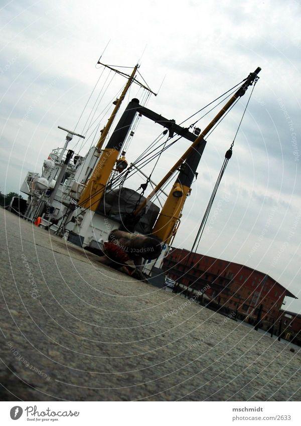 kutter Wasser Meer Wasserfahrzeug Hafen Fischerboot