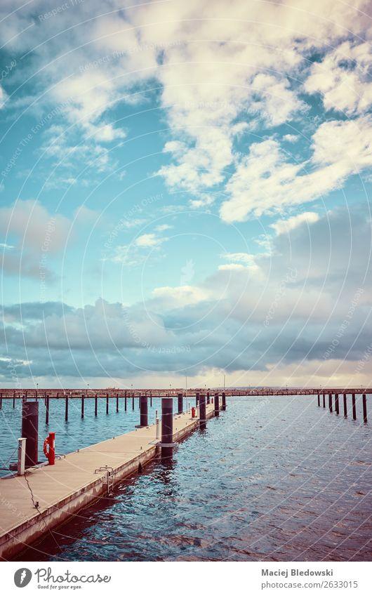 Farbig getöntes Bild einer leeren Marina. Ferien & Urlaub & Reisen Ausflug Ferne Freiheit Expedition Meer Insel Landschaft Himmel Wolken Horizont Küste Ostsee