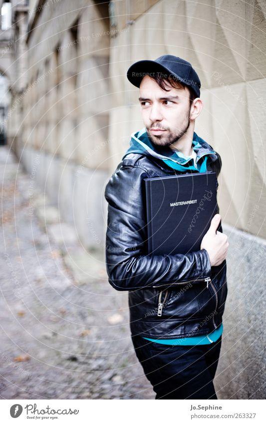 master of foreign tongues Mensch Jugendliche Erwachsene Wand Mauer Stil Mode maskulin Erfolg Studium Perspektive 18-30 Jahre Bildung Student Junger Mann Bart