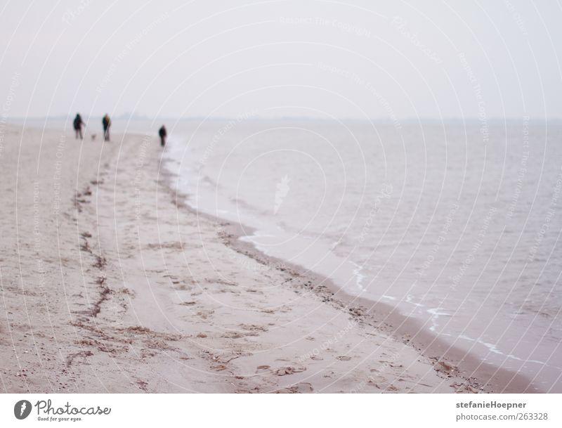 ain't it the life Ausflug Strand Meer Mensch Leben 3 Umwelt Wasser schlechtes Wetter Wellen Küste Seeufer Nordsee gehen wandern Freundschaft Romantik