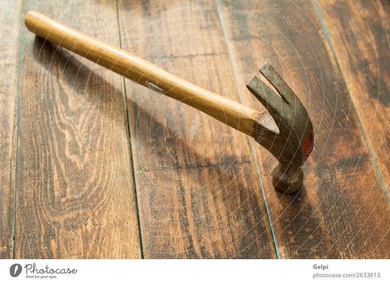 Gebrauchter und rostiger Hammer Arbeit & Erwerbstätigkeit Industrie Werkzeug Hand Holz Metall Stahl Rost alt bauen Gerät Reparatur Konstruktion Schreinerei