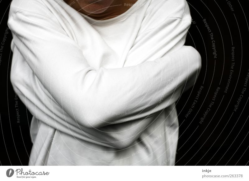 Zwang Patient Körper Arme 1 Mensch Pullover festhalten Umarmen bedrohlich rebellisch wild Wut Gefühle Stimmung Laster Hemmung Angst verstört Verbitterung