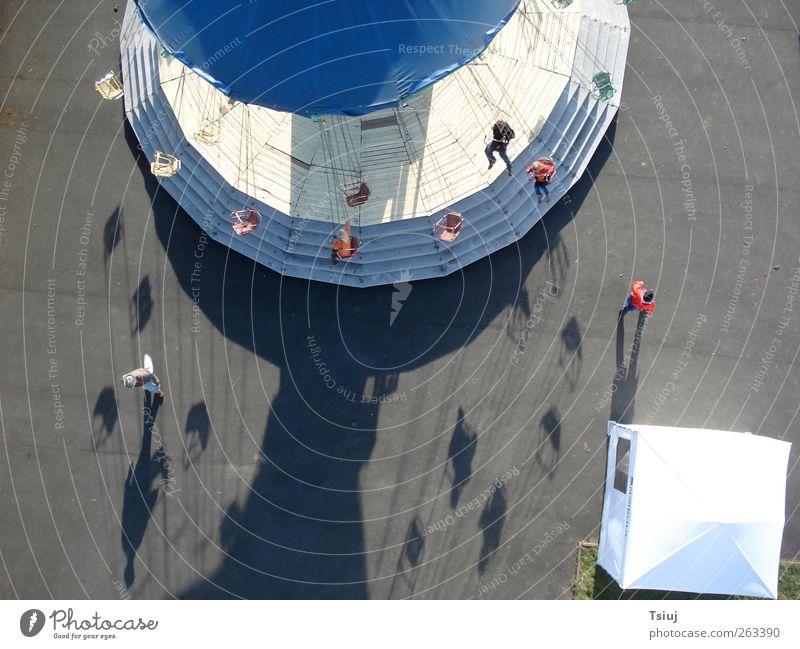 Schattenkarussell Veranstaltung drehen festhalten fliegen Kap Luftaufnahme Karussell Kettenkarussell Jahrmarkt Farbfoto Außenaufnahme Vogelperspektive