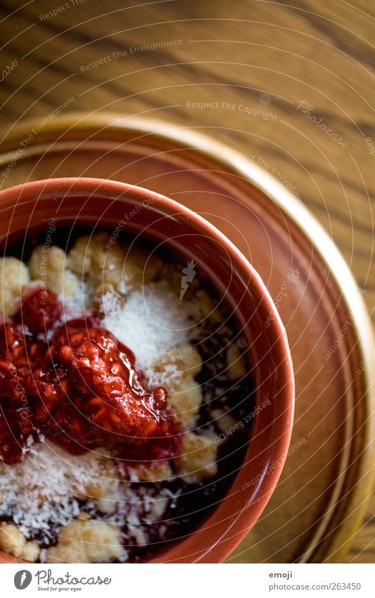 HimbeerKokosCrumble Dessert Süßwaren Marmelade Ernährung Teller Schalen & Schüsseln lecker süß Farbfoto Innenaufnahme Menschenleer Textfreiraum oben Tag