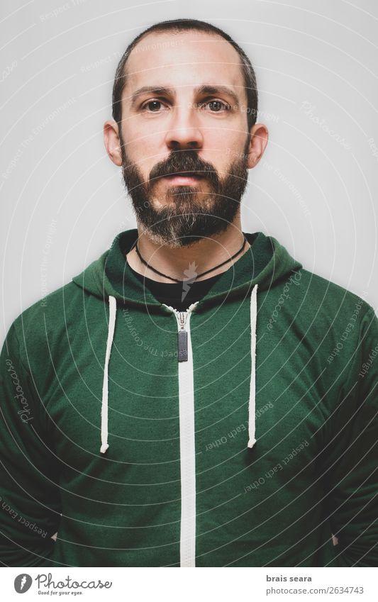 Mensch Jugendliche Mann schön grün Junger Mann Gesicht Lifestyle Erwachsene natürlich lustig Sport Stil maskulin stehen Fröhlichkeit