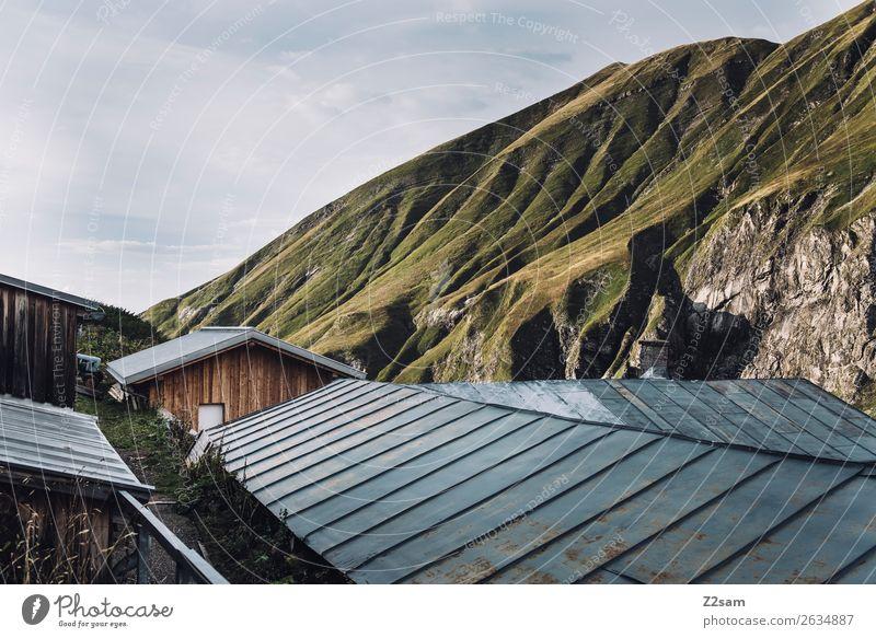 Blick von der Kemptner Hütte wandern Natur Landschaft Schönes Wetter Alpen Berge u. Gebirge Gipfel Haus Architektur gigantisch natürlich grün Abenteuer Idylle