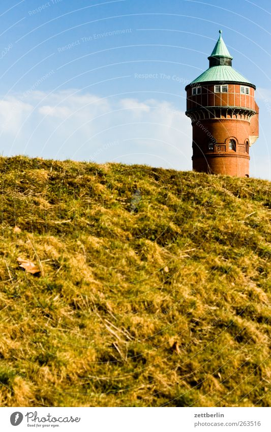 Wasserturm Himmel Natur rot Pflanze Sommer Umwelt Landschaft Fenster Frühling Gebäude Wetter Turm Spitze Hügel Bauwerk Schönes Wetter