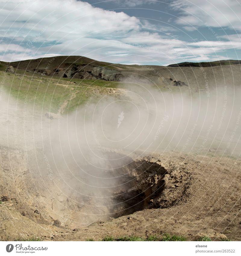 smoky valley Natur Umwelt Landschaft Wärme Erde Nebel Urelemente bedrohlich Hügel Rauch Island Vulkan Vulkankrater Geothermik vulkanisch Heisse Quellen