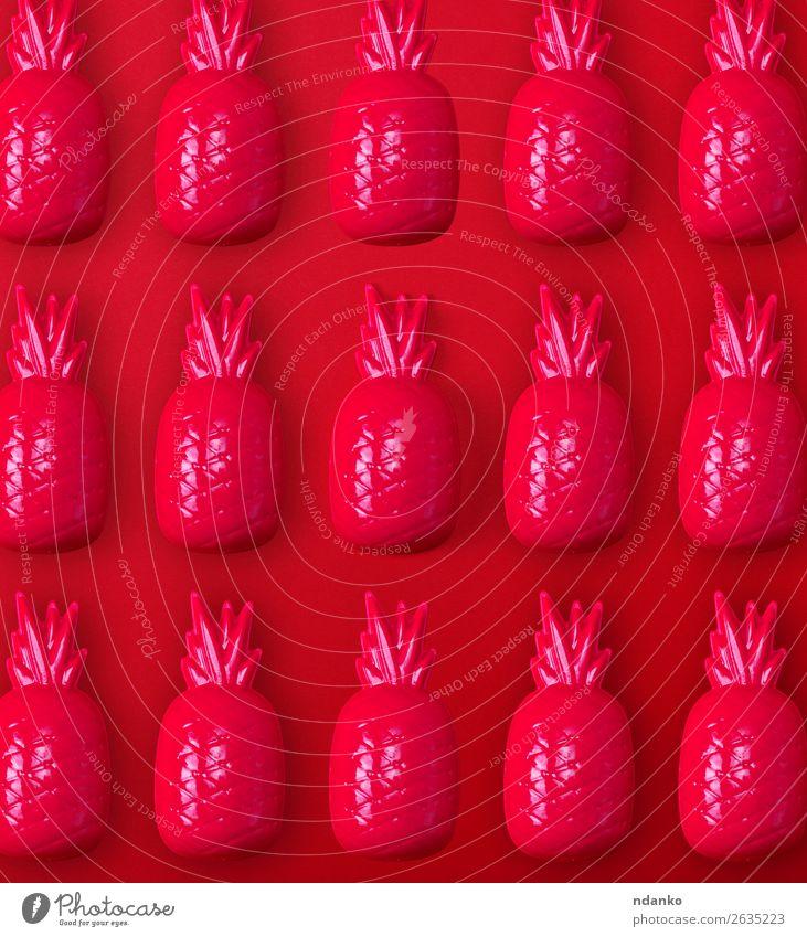 rotes Plastikananasspielzeug für Kinder Frucht Spielen Spielzeug Kunststoff hell Farbe Idee Stil Ananas Hintergrund Dekor Objektfotografie Aussicht Lebensmittel