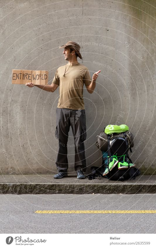 Rucksacktourist reist per Anhalter in die ganze Welt Ferien & Urlaub & Reisen Tourismus Ausflug Abenteuer Ferne Freiheit Mensch Mann Erwachsene Hand 30-45 Jahre